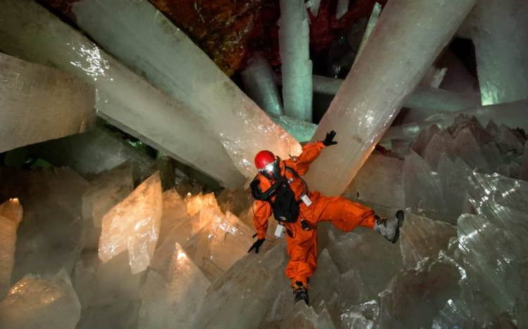 nature-naica-crystal
